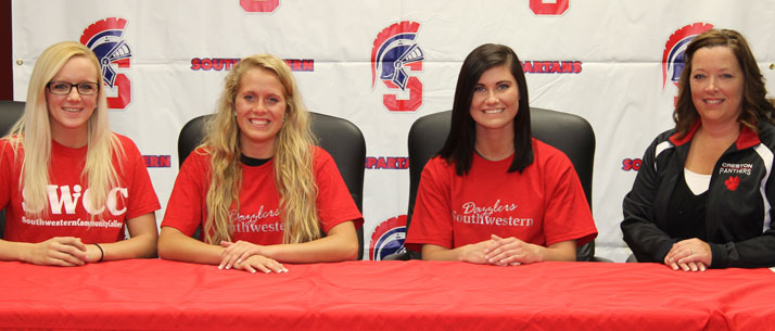 Marie Hood and Raegen Smith sign with SWCC Dazzlers
