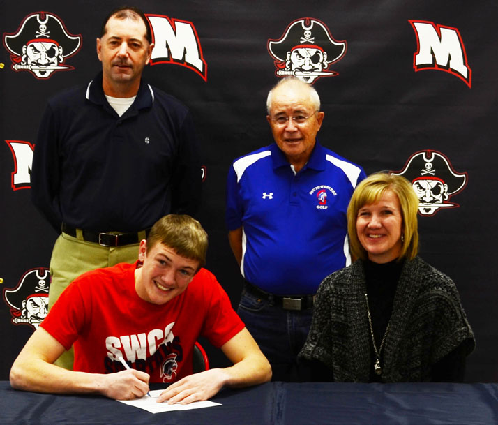 Connor Giles signs with SWCC golf