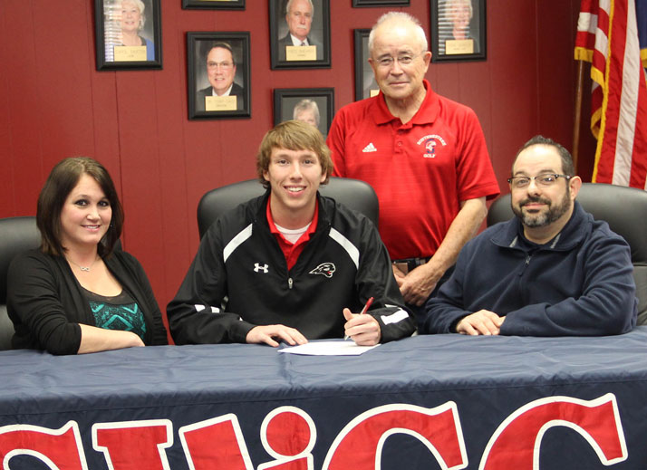 Christian Groumoutis sign with SWCC Golf