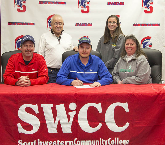 Dustin Wolters signs with SWCC