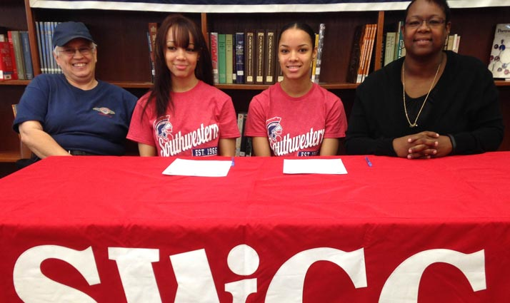 Maleika Carter and Julanie Carter sign with Spartan women's basketball